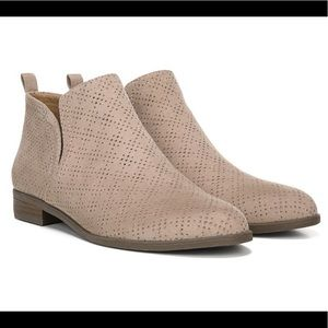 Dr Scholl's laser cut booties color: Putty New